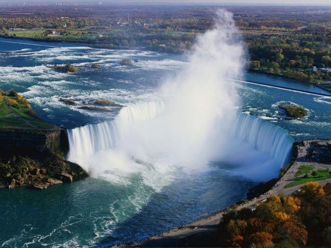Прыжок в Ниагарский водопад ради славы