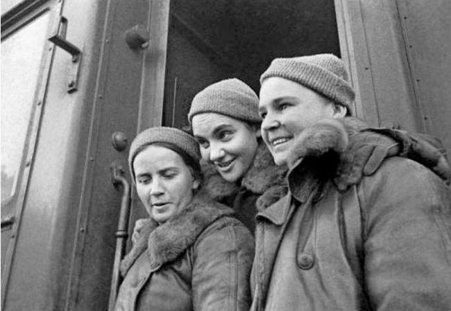 Первые женщины Герои Советского Союза