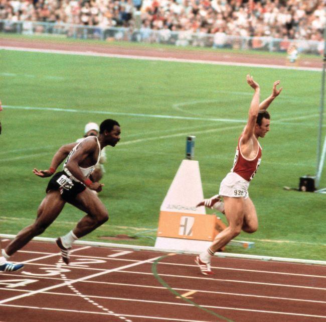 Первый белый спортсмен, который победил темнокожих сразу на двух дистанциях