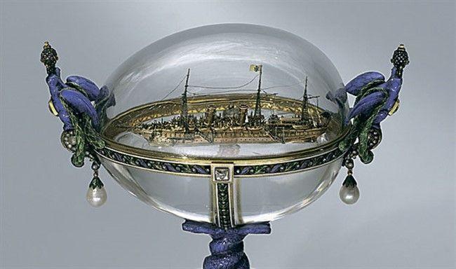 Пасхальное яйцо с моделью яхты «Штандарт».
