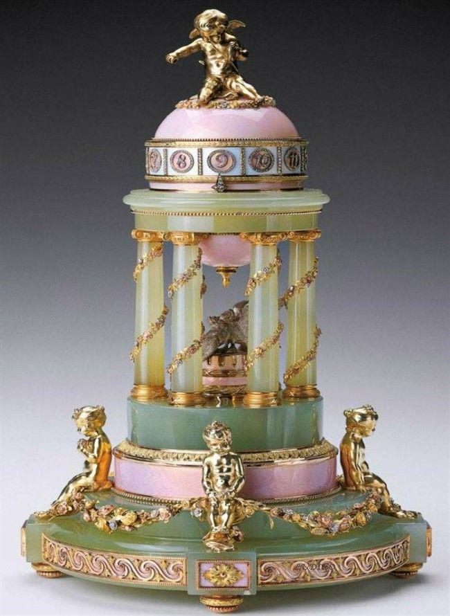 Восхитительные изделия Фаберже в коллекции Британской королевы Елизаветы II
