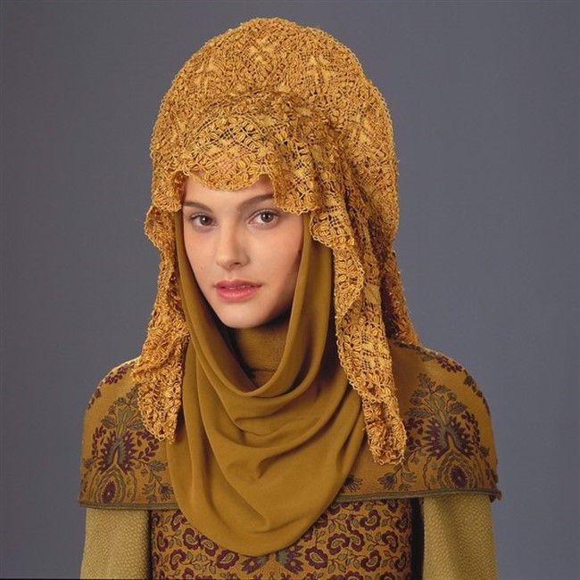 Кокошник - часть национального костюма и модный аксессуар